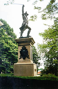 [color photograph of Baron DeKalb statue]