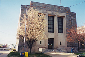 [color photograph of Cecil County Courthouse]